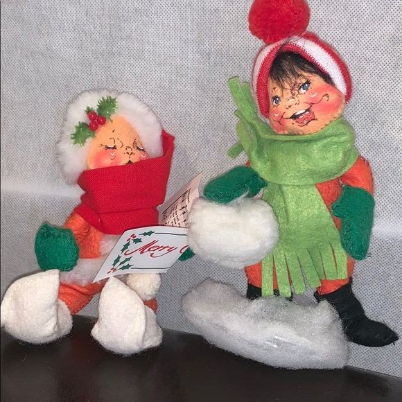 Annalee Carolers Dolls